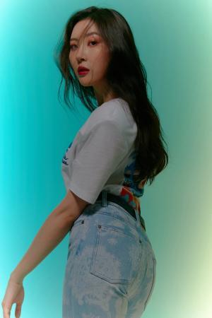 선미, 몽환적인 무드의 화보 B컷 공개